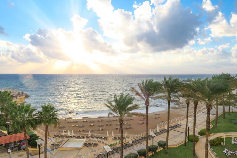 Resort Lebanon Review