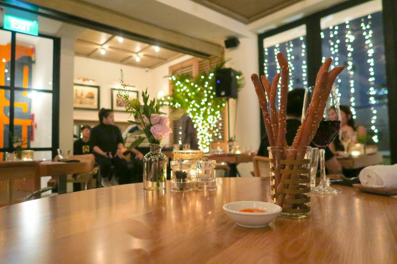 L'Usine's New Concept in Saigon: Acoustic Night Asia Blog Cafes Food Ho Chi Minh Vietnam