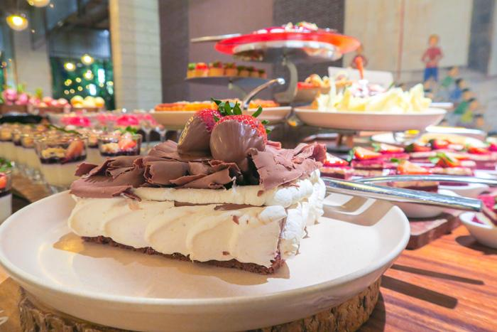 Best Dinner Buffet in Bangkok: Praya Kitchen Review Asia Bangkok Blog Food Thailand