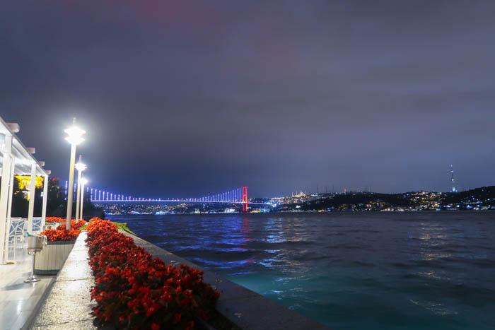 Dinner on The Bosphorus: Aqua Restaurant Istanbul Asia Blog Food Istanbul Turkey